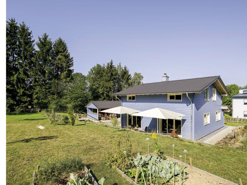 Entwurf Blauraute von Stommel Haus aussen_Gartenseite
