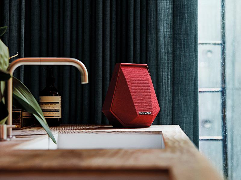 Bis zu sechs smarte Speaker von Dynaudio können zum Multiboom-System verbunden werden.