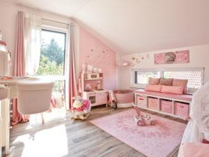 Familienhaus Jäger von Bien-Zenker Zimmer Maedchen
