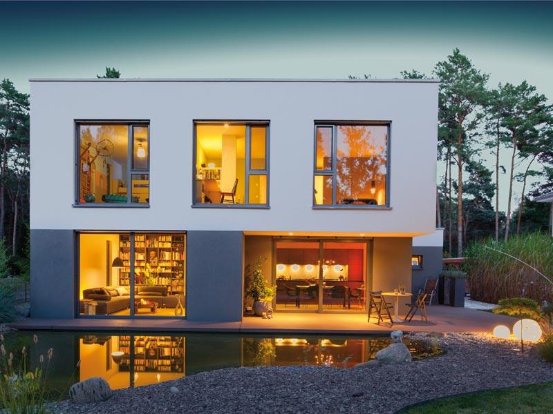 Haus Cornelius von Baumeister-Haus. Außen bei Nacht