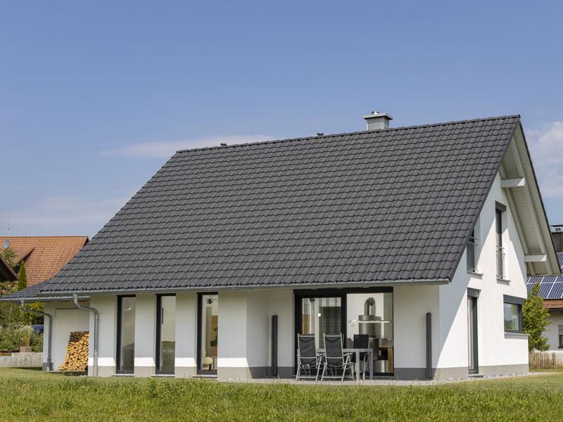 Haus Odenthal von Baumeister-Haus. Gartenansicht