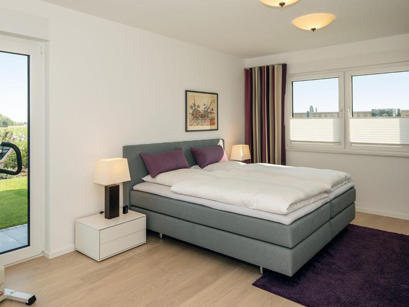 Haus Zumstein von Baumeister-Haus. Schlafzimmer