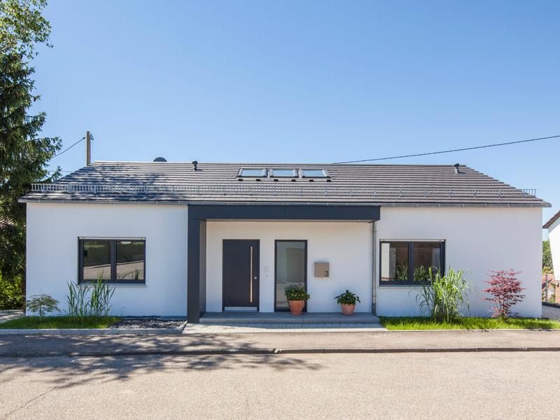 Haus Nolte von Baumeister-Haus. Straßenansicht